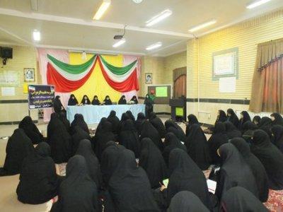 جلسه هم اندیشی مسولان با طلاب مدرسه علمیه الزهرا(س)مینودشت